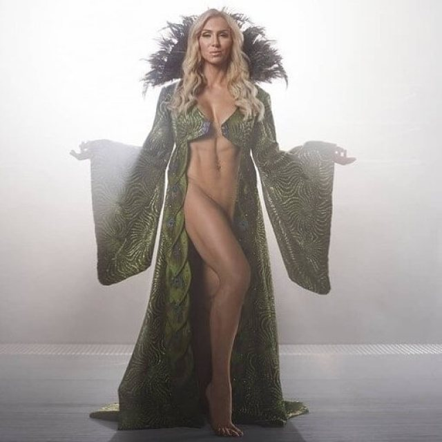 Charlotte Flair sexy pic