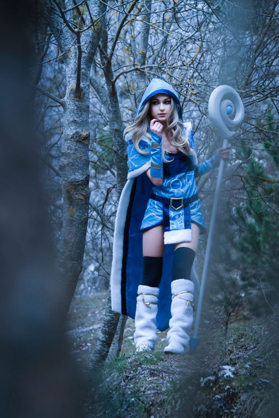 Crystal Maiden on Photoshoot Pics