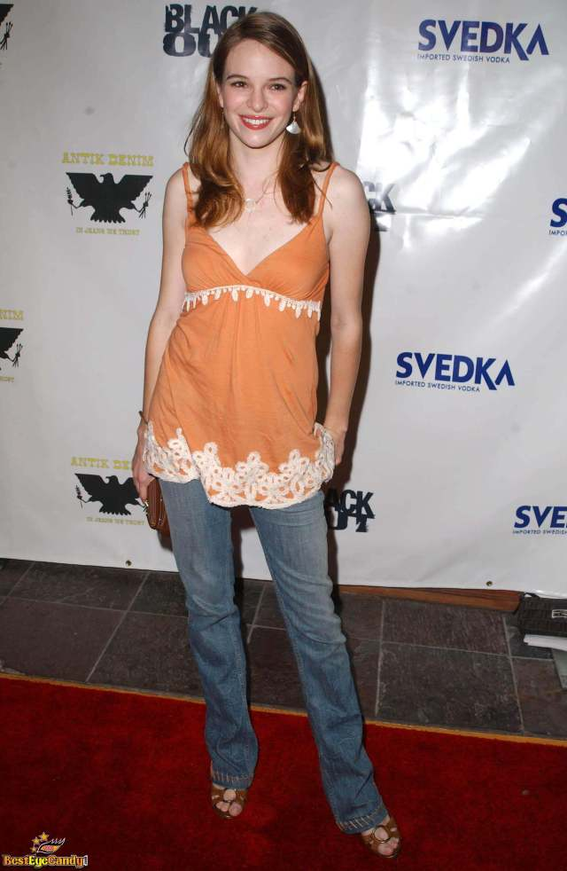 Danielle Panabaker feet awesome