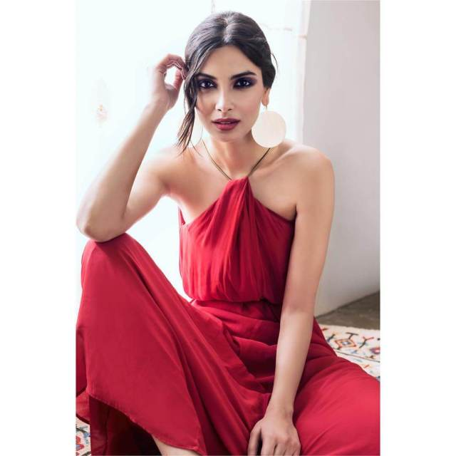Diana Penty awesome red dress