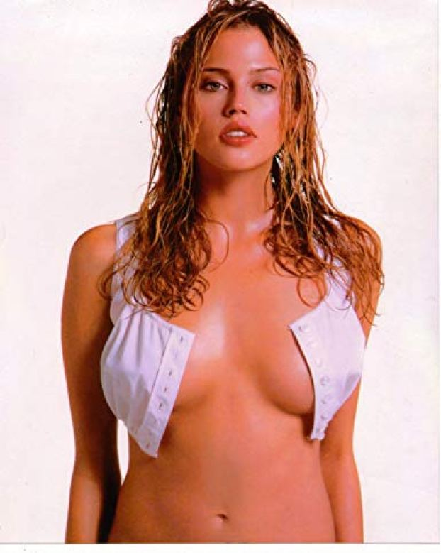 Estella Warren awesome cleavages 3