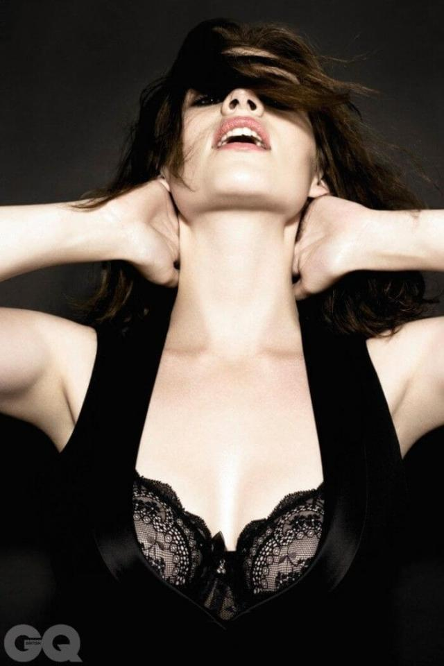Hayley Atwell hot busty picture (3)