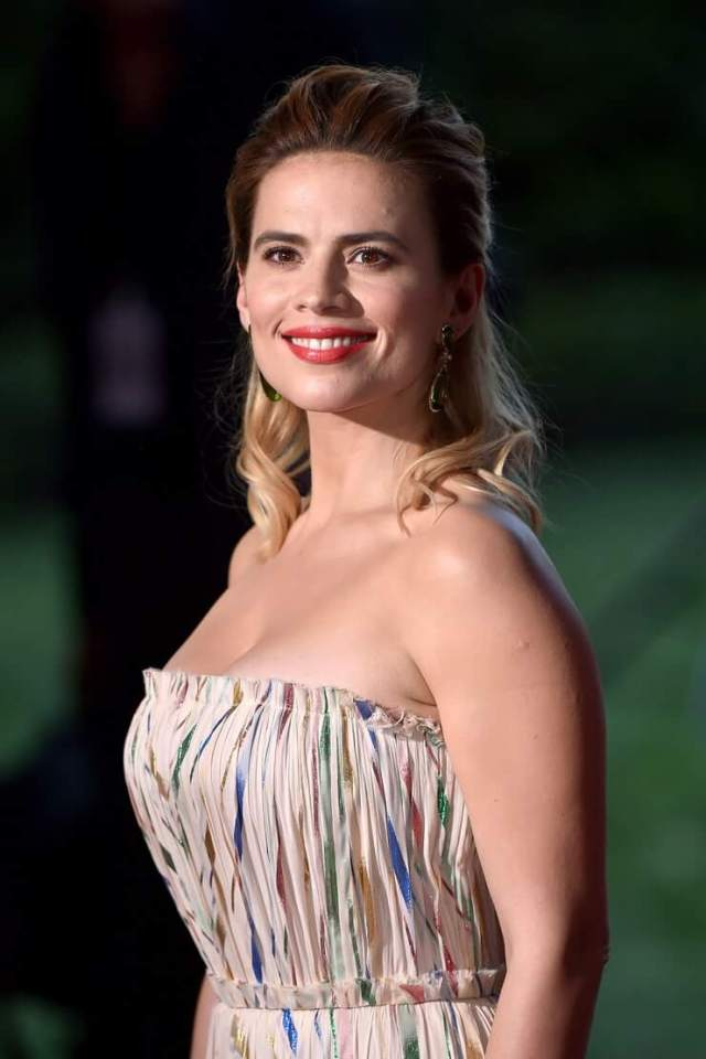 Hayley Atwell sexy side pictures