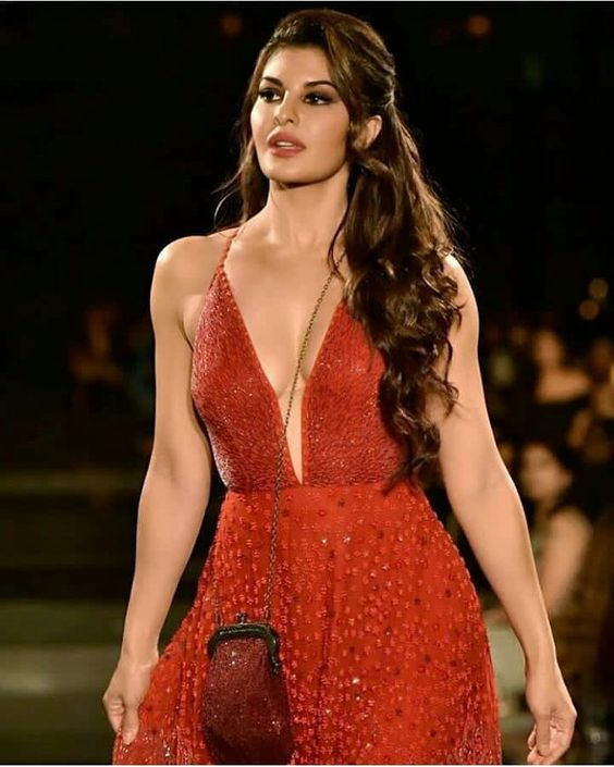 Jacqueline Fernandez Sexy Boobs Pics on Red Dress