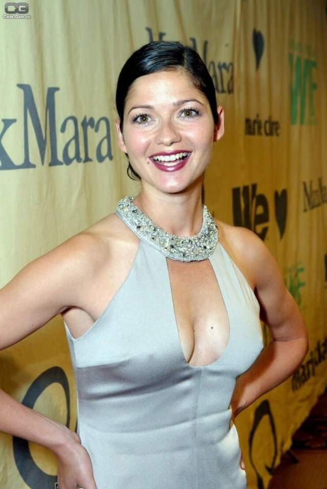Jill Hennessy hot picture