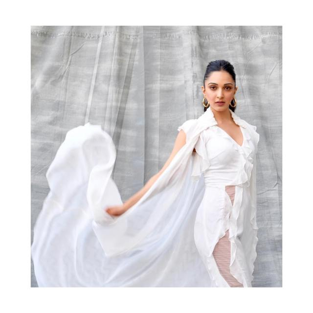 Kiara Advani Beautifull on White Dress