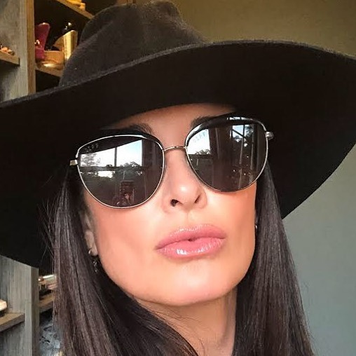 Kyle Richards Hot in Black Gaugle Pics