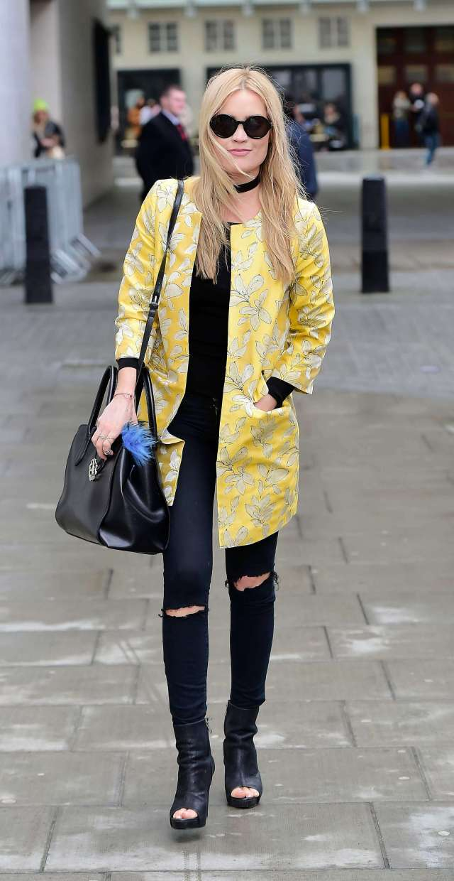 Laura Whitmore awesome pic