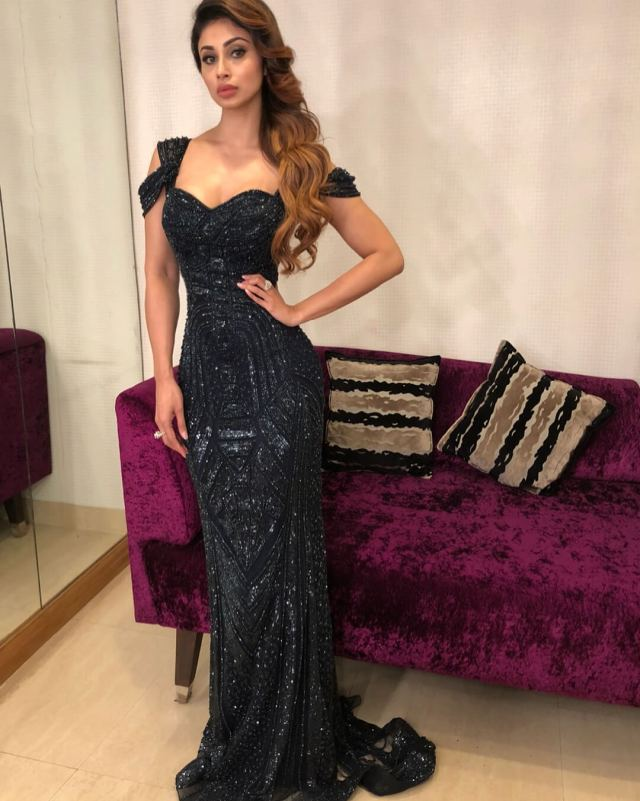 MOUNI ROY sexy cleavages pic