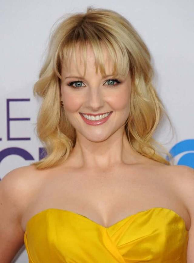 Melissa Rauch hot busty picture