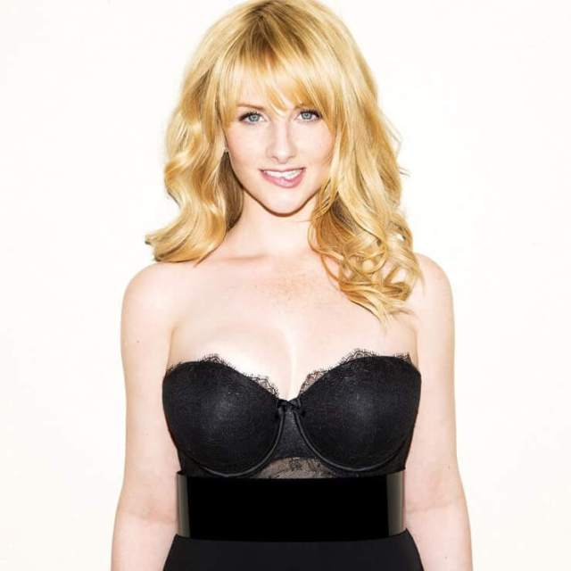 Melissa Rauch hot picture