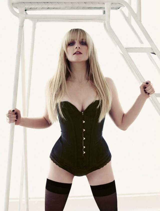 Melissa Rauch hot picturs