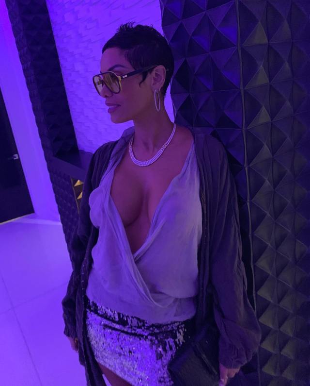 Nicole Murphy sexy picture
