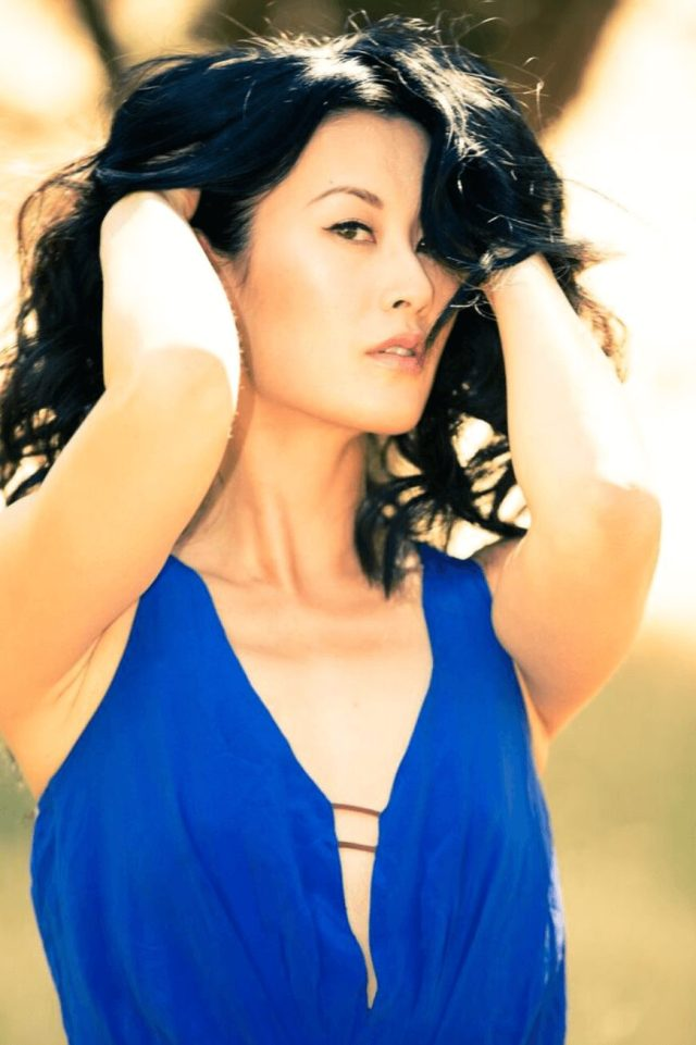 OLIVIA CHENG sexy blue dres pic