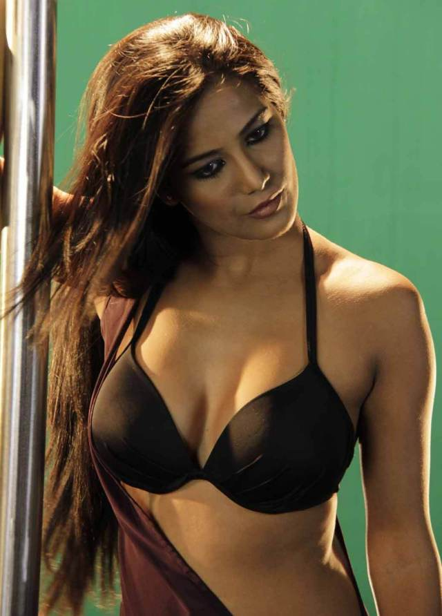 Poonam Pandey sexy bsuty photo