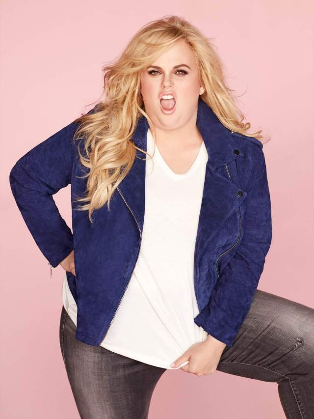 Rebel Wilson sexy cleavages pictureRebel Wilson sexy cleavages picture