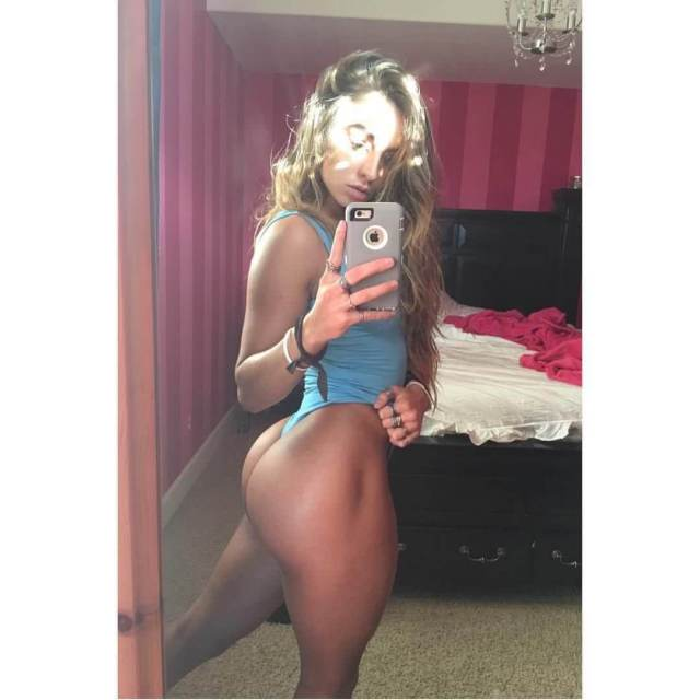 Sommer Ray sexy butts (4)