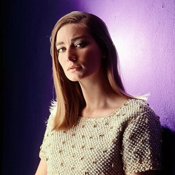 Tania Mallet hairs pic