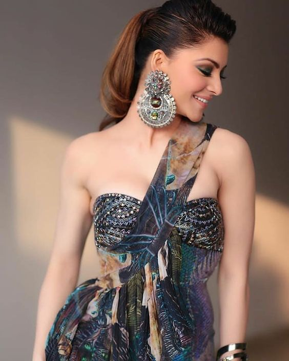 Urvashi Rautela Hot Photo