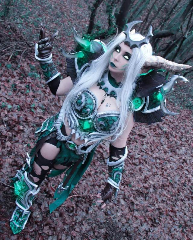 Ysera cleavage pic