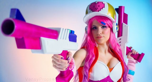 arcade miss fortune hot cleavage