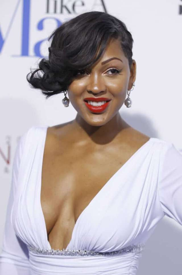 meagan good cleavage pics02