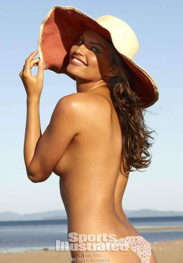 Alyssa Miller sexy side boobs