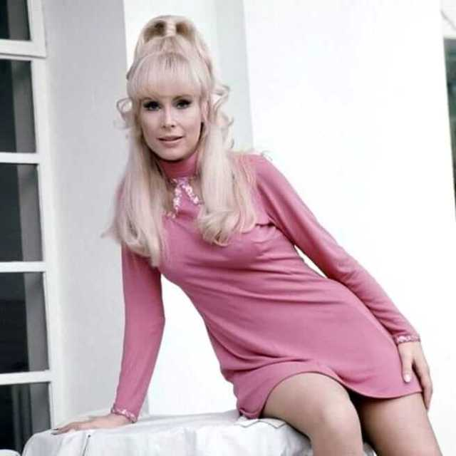 Barbara Eden AWESOME PIC