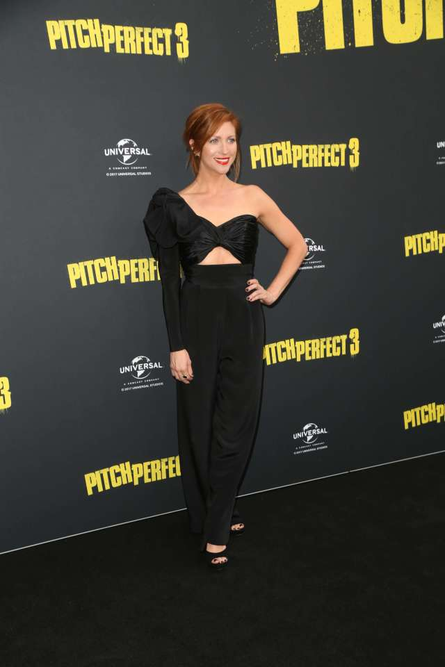 Brittany Snow hot cleavages (2)