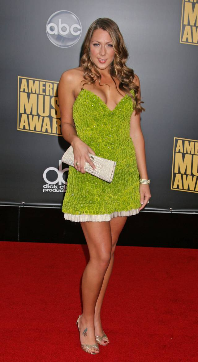 Colbie Caillat awesome thioghs