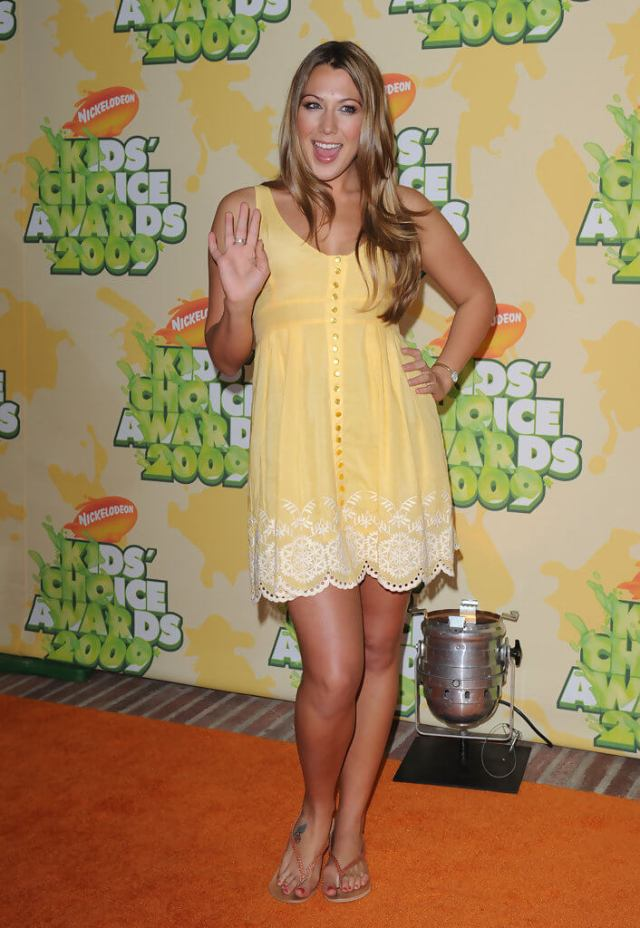 Colbie Caillat sexy thighs
