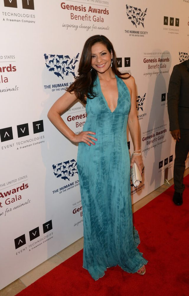 Constance Marie sexy clavages pictures