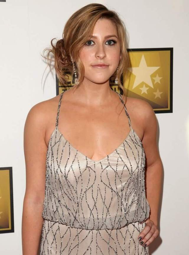 Eden Sher hot pictures