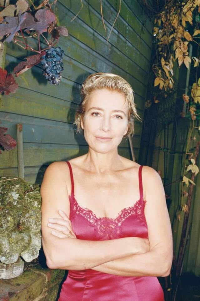Emma Thompson sexy cleavages pcis