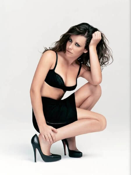Evangeline-Lilly-sexy-cleavages