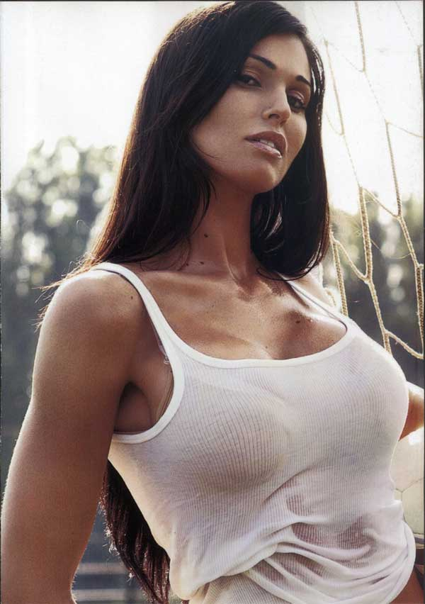 Federica Ridolfi sexy busty pictures