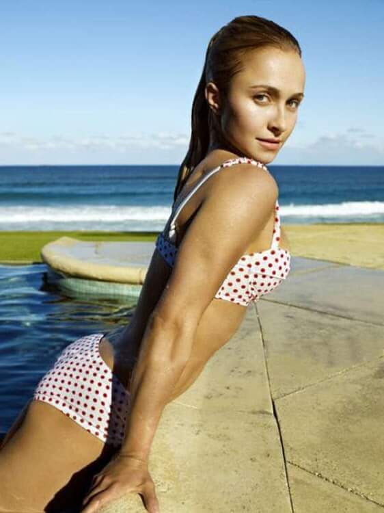 Hayden Panettiere hot butt pics