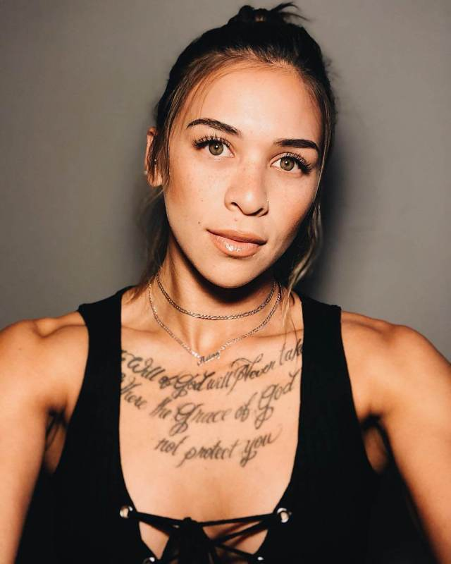 Kailin Curran sexy pictures