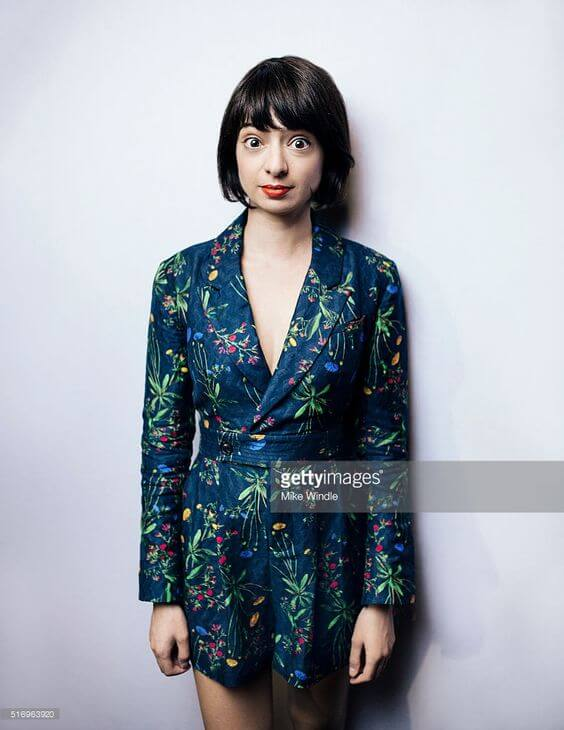 Kate Micucci sexy cleavages picture