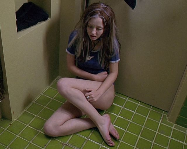 Katharine Isabelle thighs pic