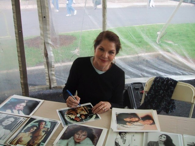 Lois Chiles awesome look