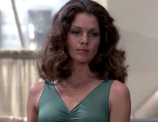 Lois Chiles hot pictures