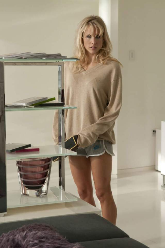 Lucy Punch hot thighs pic