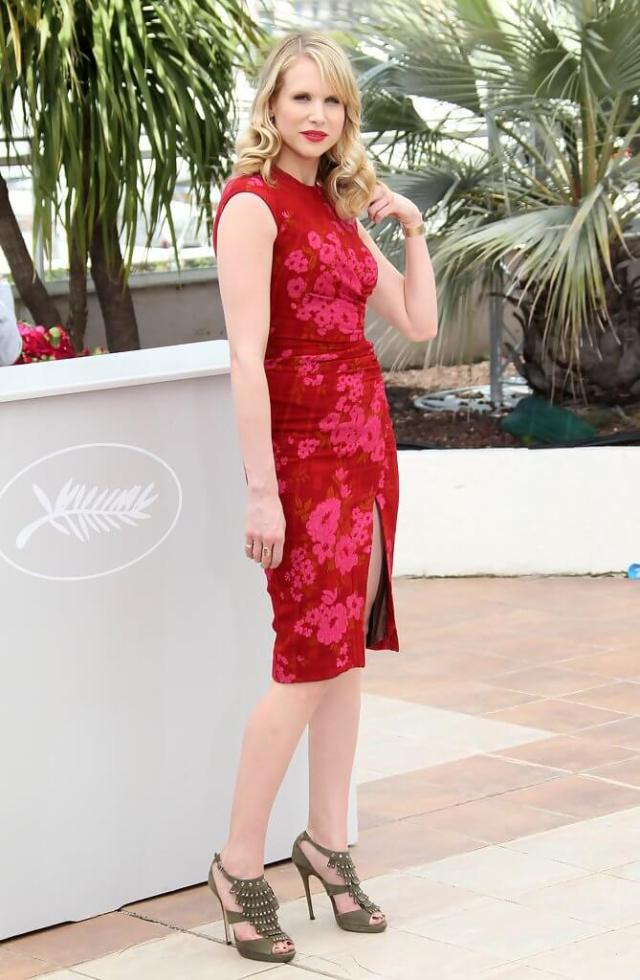 Lucy Punch red dress pic