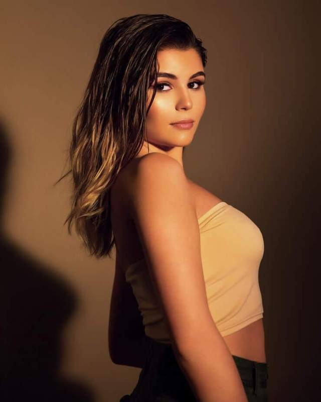 Olivia Jade Giannulli sexy side picture