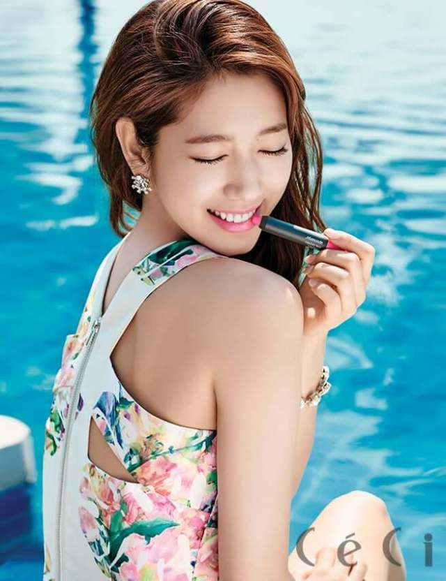 Park Shin Hye sexy side pciture (2)