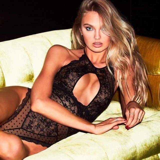 Romee Strijd hot cleavages pic
