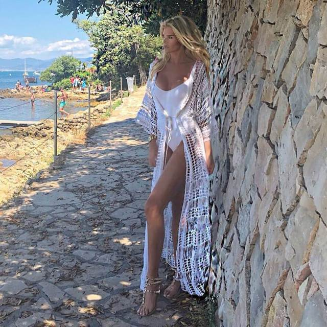 Victoria Silvstedt awesome legs
