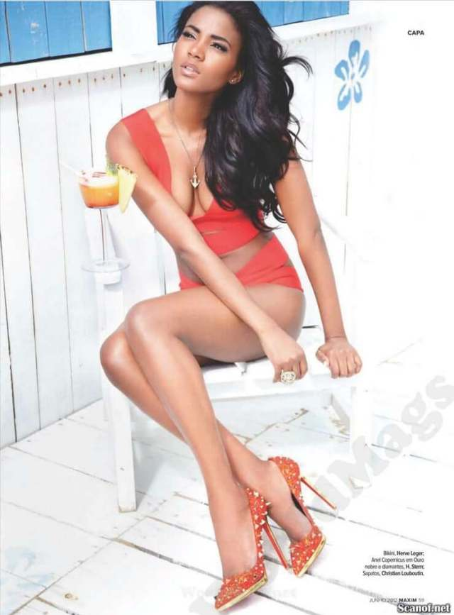leila lopes too sexy