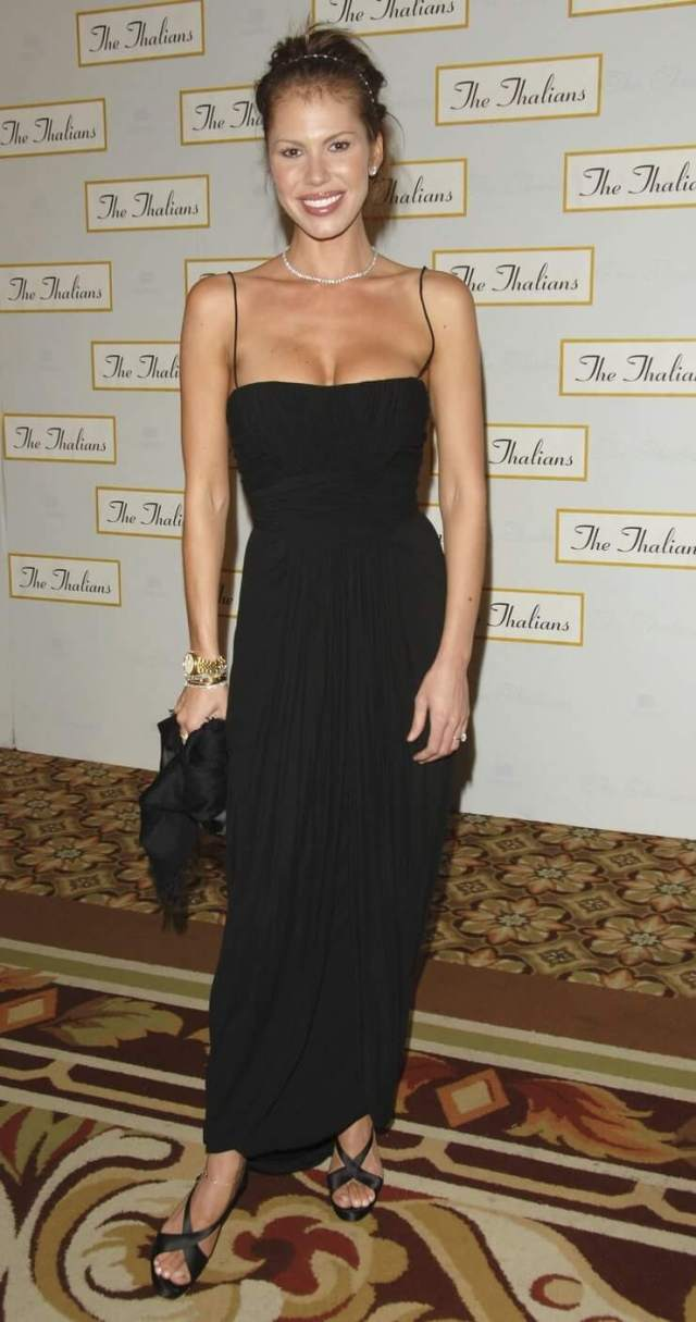 nikki cox black dress